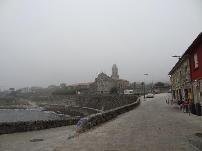 церковь на берегу