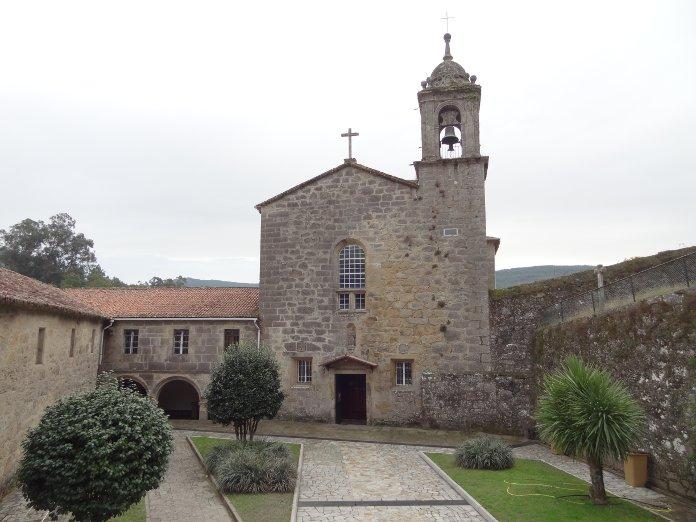 альберге в монастыре