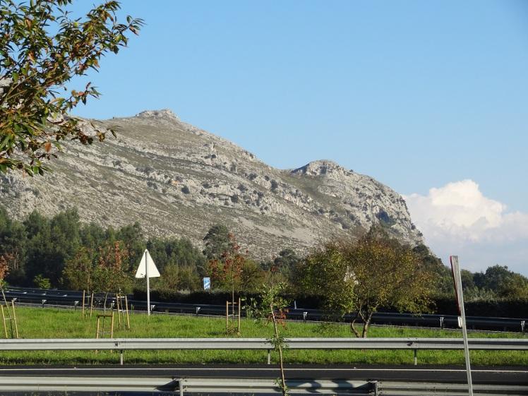 дорога и гора