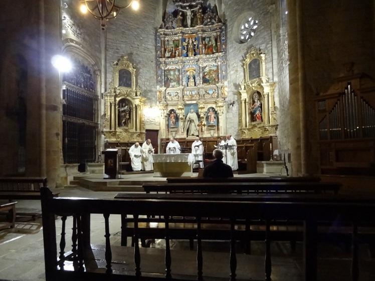 служба в монастыре