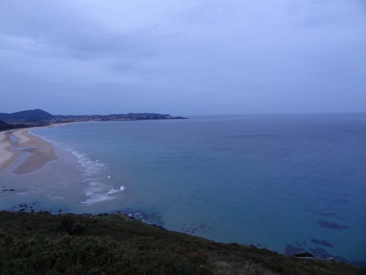 путь по морскому побережью